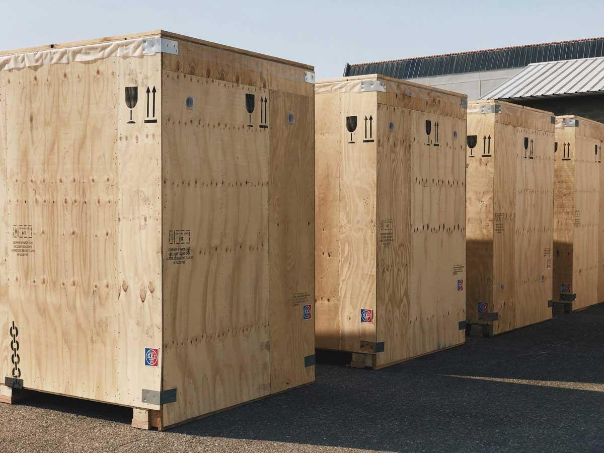 3 caisses d'emballages industriel. Montrant le produit fini chez Protembal